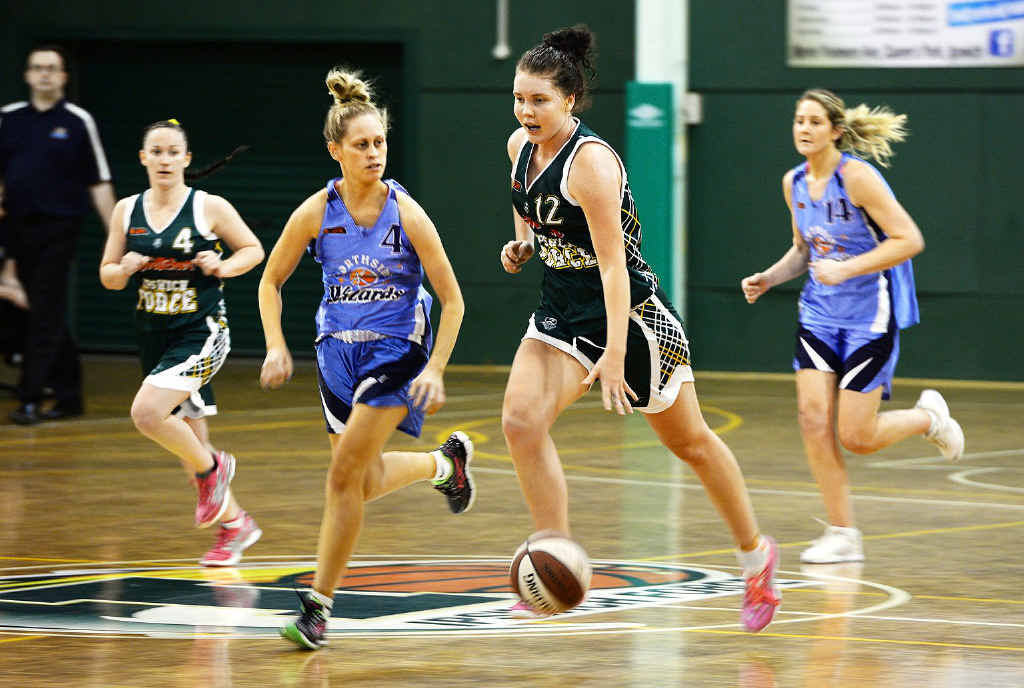 LEADING EFFORT: Ipswich Force's top scorer Nadeen Payne takes charge of the court during Saturday night's quarter-final victory.
