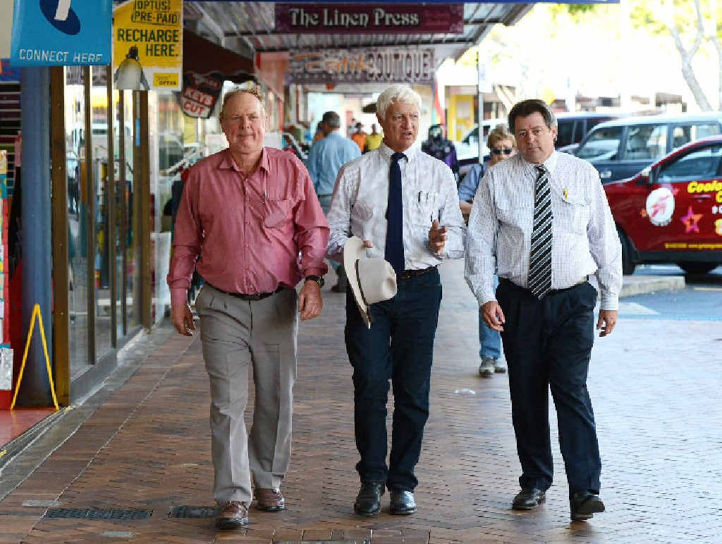 Bob Katter in Gympie on Wednesday with Senate candidate Shane Paulger and candidate for Wide Bay Gordon Dale.