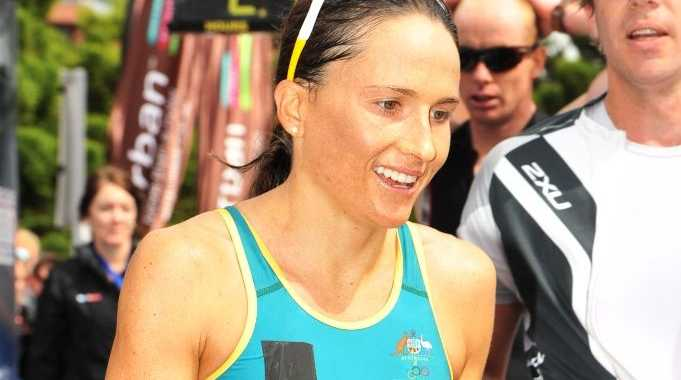 Triathlete Emma Moffatt was unable to finish her final lead-up race prior to next week's Glasgow Commonwealth Games.