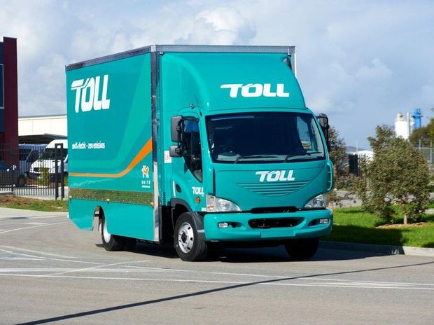 Toll's first 100% electric truck was unveiled at the Larapinta depot in Brisbane on Monday September 2.