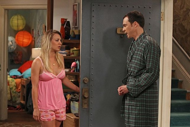 Kaley Cuoco and Jim Parsons in an episode of Big Bang Theory.