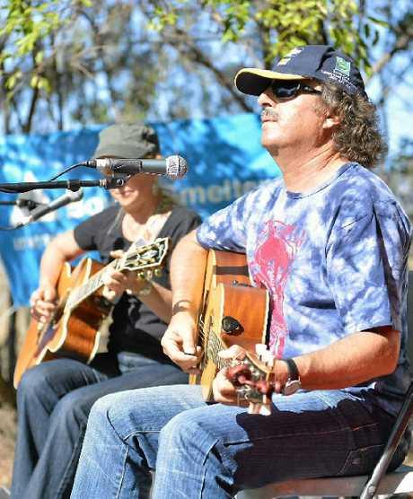 Duo called Suska during the Beach Arts Music festival, Tannum Sands.