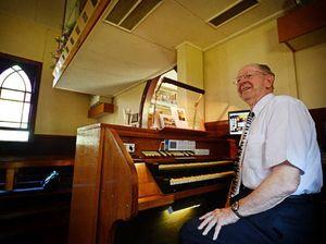 Legendary organist David Parsons plays Bexhill church
