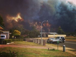 Fires continue to burn in Sydney's far west