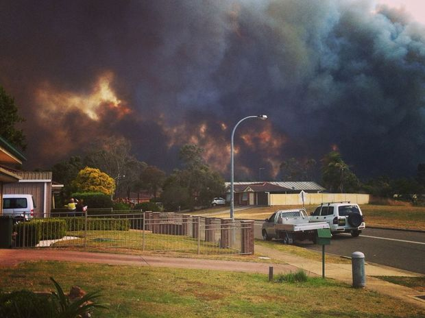 The fire threatens the Bligh Park estate at Windsor, in Sydney's west.