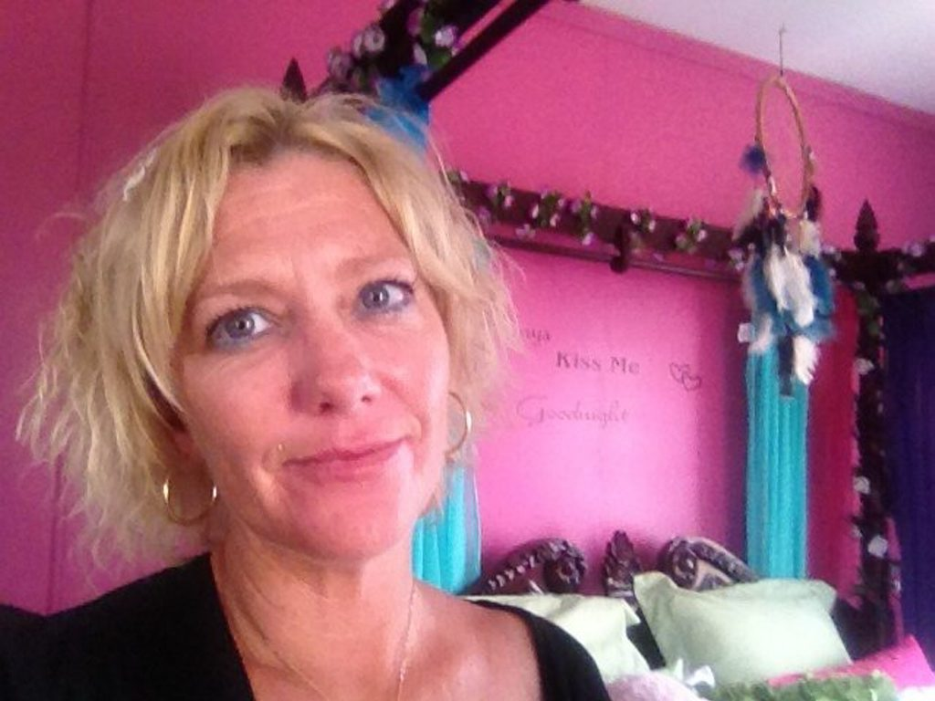 Samantha Holder was diagnosed with nail bed melanoma after visiting Cosmetic Elegance for a beauty treatment.