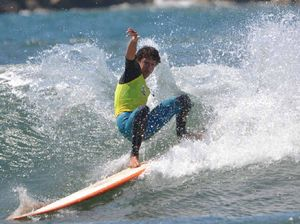 Surfers tested by tricky conditions in memorial event