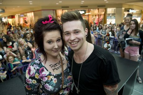 The six hour wait to meet her idol Reece Mastin was worth it for fan Ashleigh Griffin.