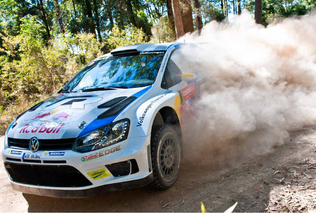 Andreas Mikkelsen stirs up the dust during the 2013 Gaudron's stage.