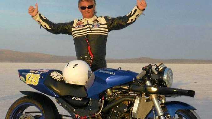 Ronnie Stayt broke the FIM world land speed record on his Kawasaki ZX12R on the Bonneville Salt Flats in Utah, US.