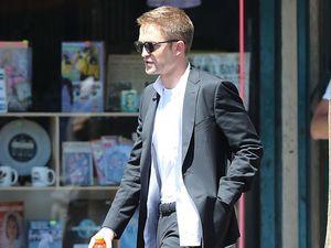 Robert Pattinson dating Sean Penn's daughter