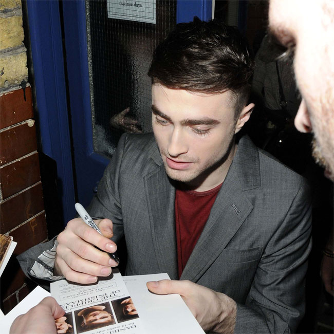 Daniel Radcliffe Shaves Fan S Head Chronicle
