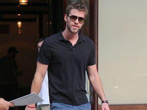 Liam Hemsworth ignoring 'desperate' Miley Cyrus