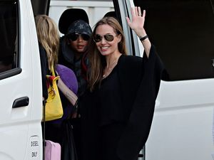 Angelina's Bondi ring flash adds fuel to wedding rumours
