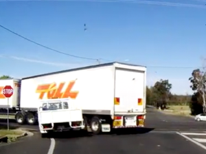 Turning truck teaches impatient driver an important lesson