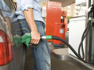 RACQ's call to shun fuel retailers 'ripping us off'