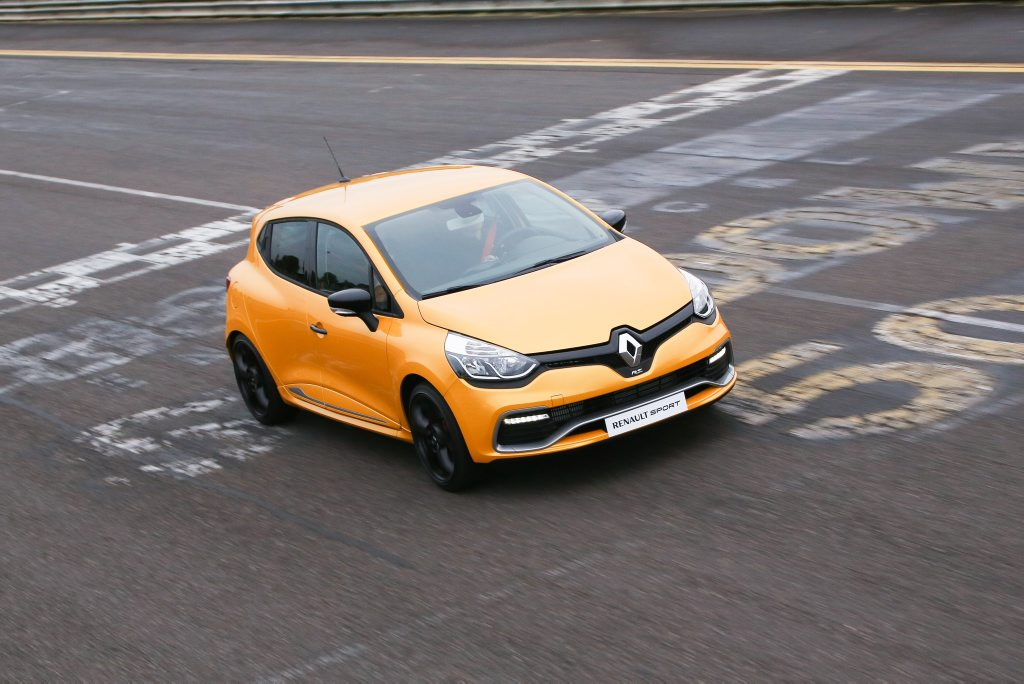 Renault has secured December delivery of the Clio RS 200 EDC.