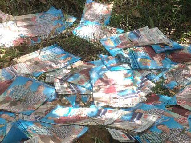 Advertising material carelessly dumped at the bottom of a Chatsworth gully has frustrated property owners.