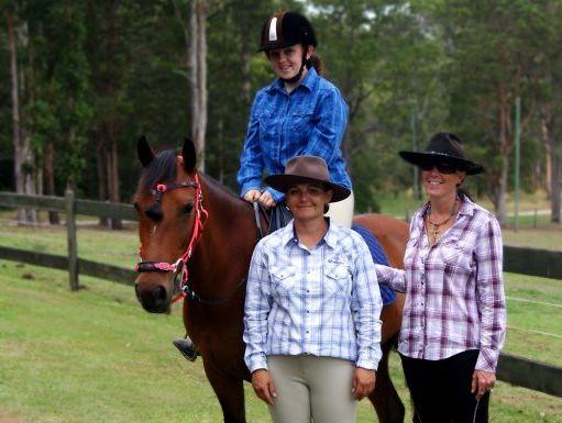 Alyfia Kidman on Brandi and her mum Alanis with horse trainer Miranda Wells.