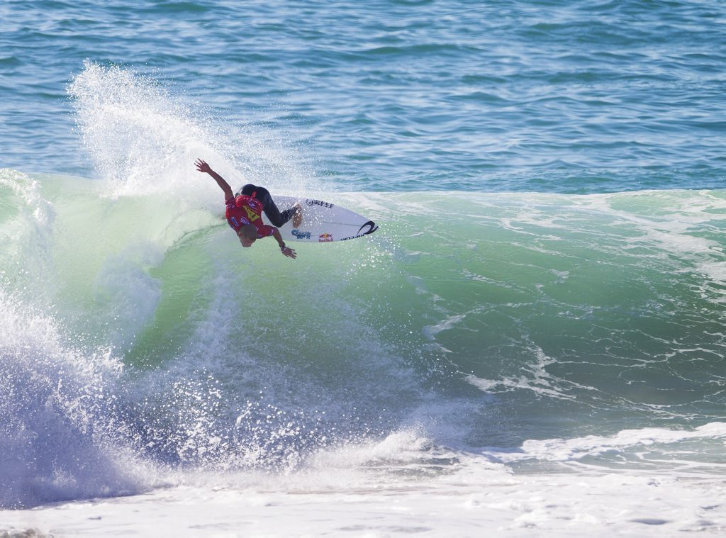Mick Fanning took out Jacob Wilcox in round three of the Rip Curl Pro in Portugal.