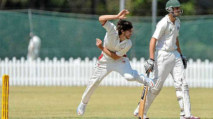 THROWING HIMSELF INTO HIS WORK: Sunshine Coast Scorchers quick Stephen Heise builds up some pace at Buderim yesterday.