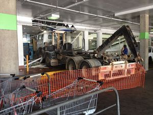 Truck to remain stuck near Stockland escalator for two hours