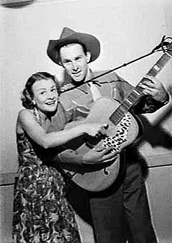 Reg Lindsay and Joan Clark on the Hour of Song radio program at the 2UW Radio Theatre in Sydney.