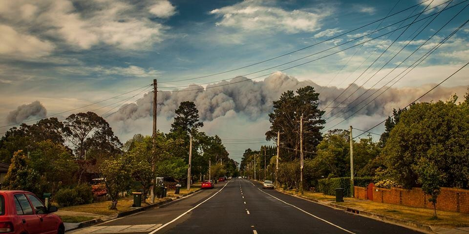 A photo posted to Twitter: Amazing photo from a friend in Katoomba on the road to Blackheath.