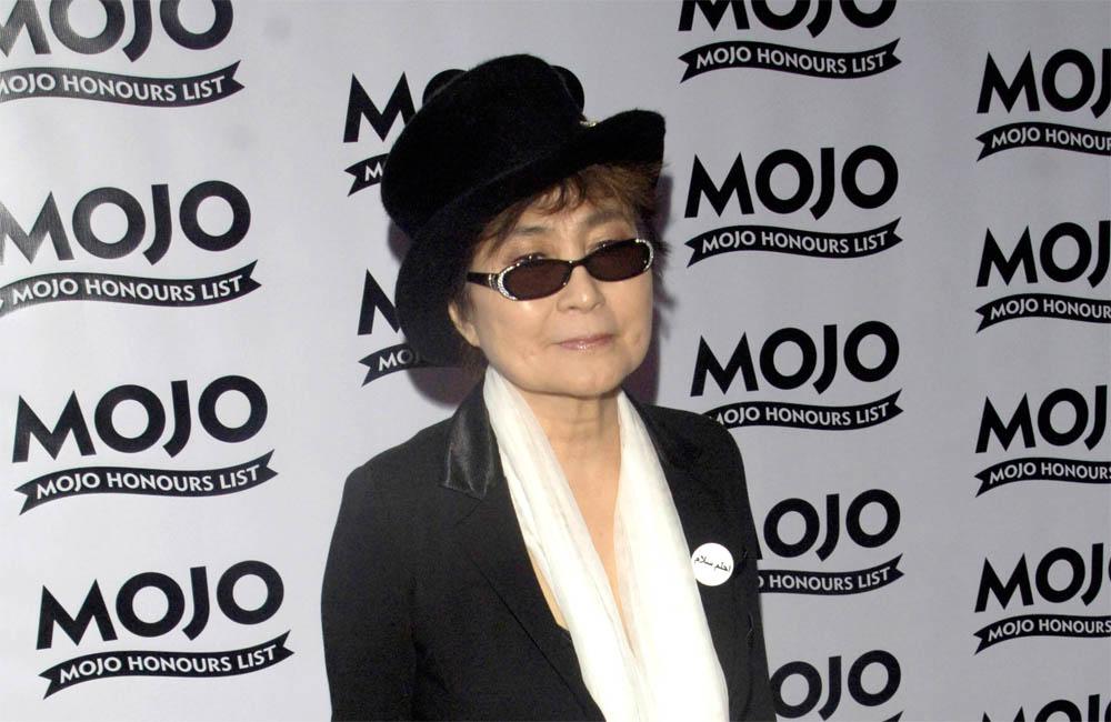 Yoko Ono still cries when she hears her late husband John Lennon's peace anthem 'Imagine'.