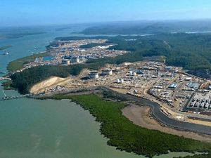 Fears for Arrow as analyst says new LNG plants cost double