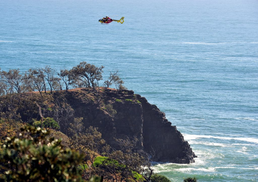 Emergency services search for missing man at Alexandria bay, Noosa. Photo Geoff Potter / Noosa News