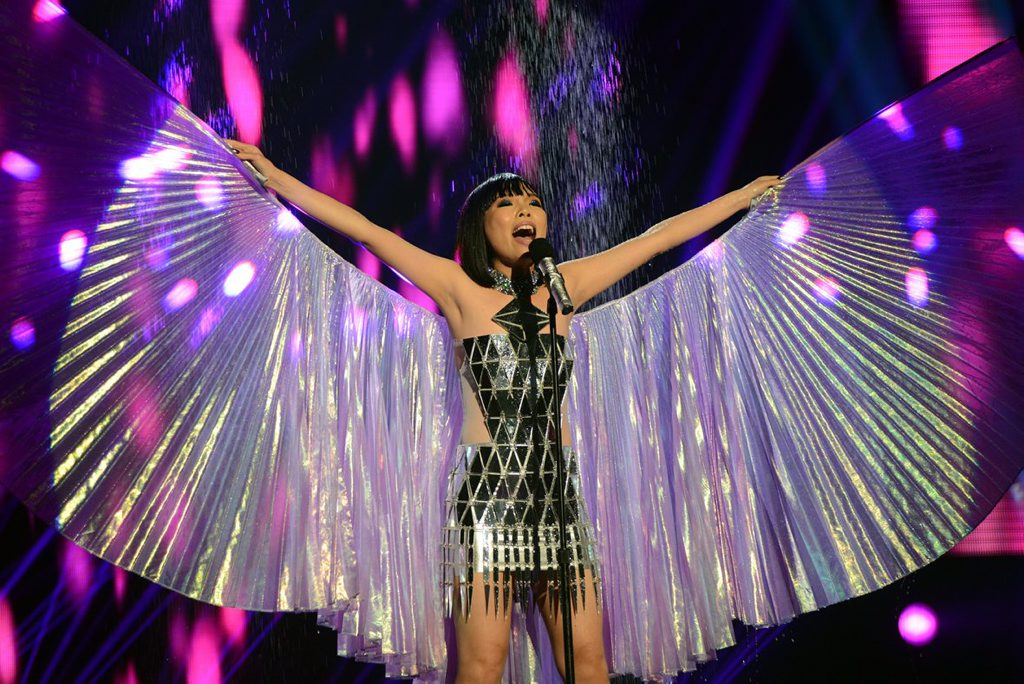 2013 X Factor winner Dami Im performs the song Purple Rain on the grand final decider show.