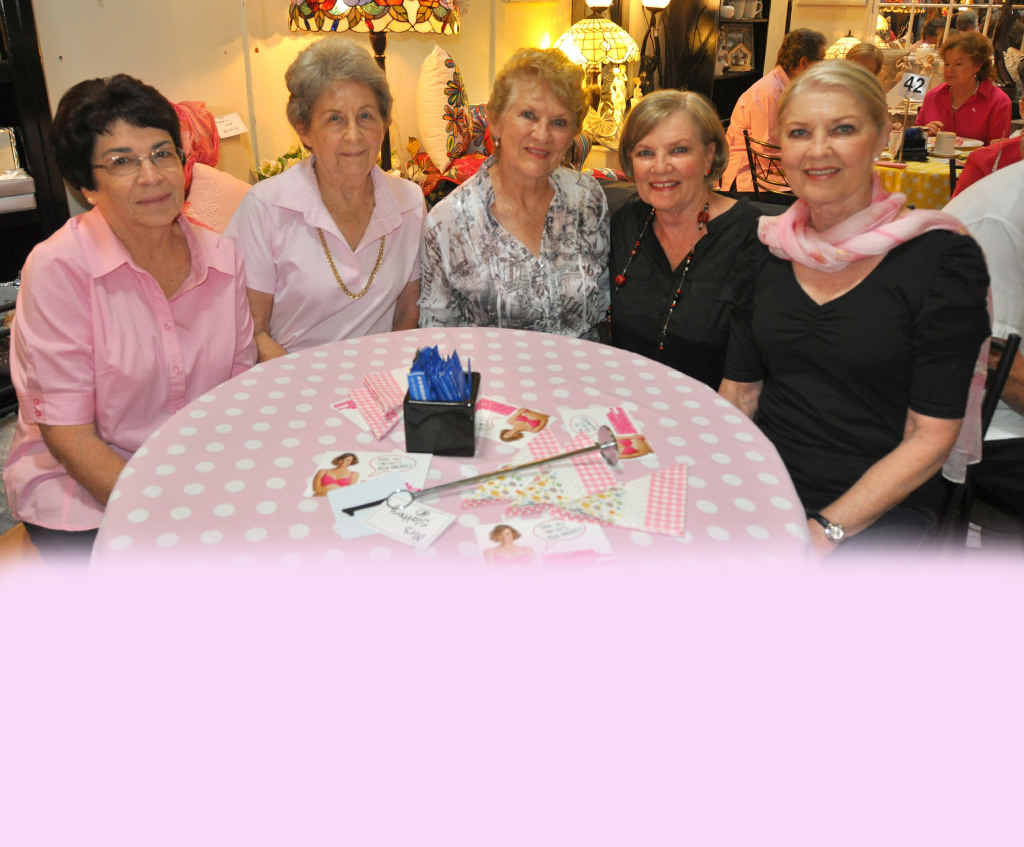 Jan Reid, Verna McMurtrie, Pam McMurtrie, Anna Poole and Nannette Grimsey had a ladies morning out.