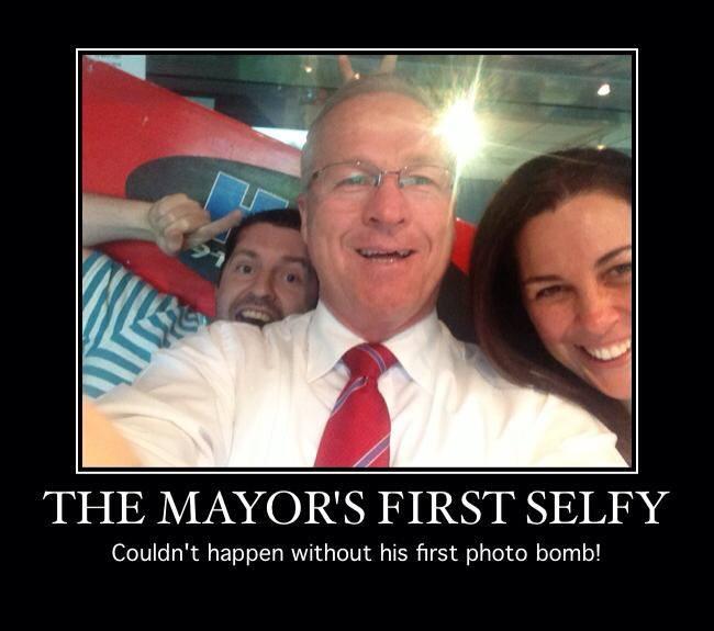 Sunshine Coast Mayor Mark Jamieson posts his first selfie shot thanks to Hot 91.
