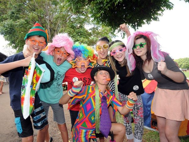 (From Left) Deklan Coleman 12, Ryan Milton 12, Byron Griggs 11, Natalia Molina 11, Kristal Griggs 13, Amber Lowe 14, (middle) Shorty Brown the clown, all having fun at a previous Alstonville Show. Photo: Archive