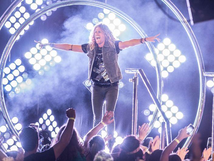 2013 Big Brother winner Tim Dormer greets his fans.