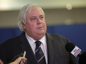 Clive Palmer asks PM if MPs' phones are bugged