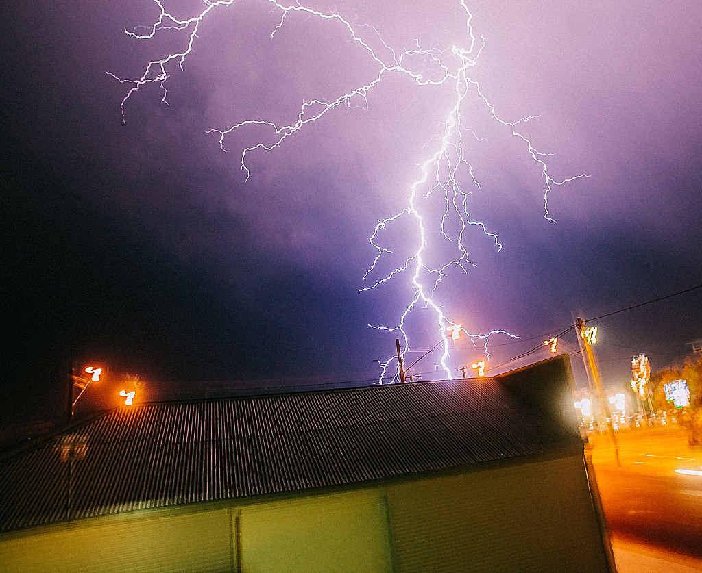Lightning smashes into Warwick.