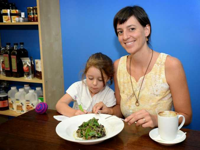 Hayley Clarke with her daughter Milla Clarke-Malfitani, 5, at the Blue Truffle Cafe. Photo Allan Reinikka / The Morning Bulletin