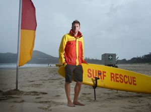 Lifeguard saves girls in trouble half a kilometre offshore