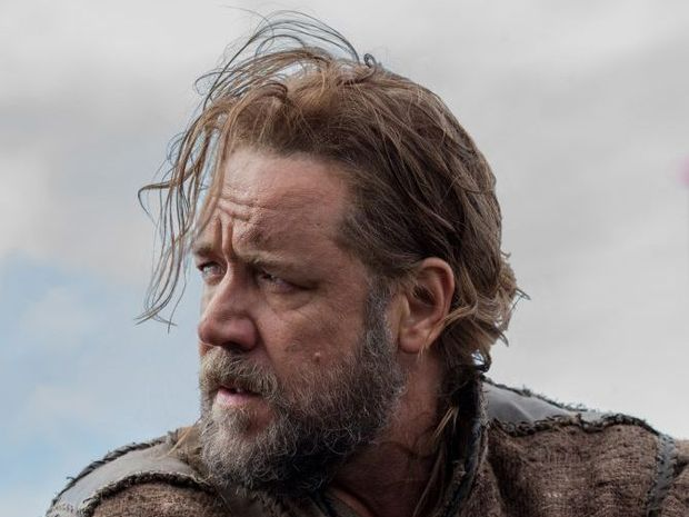 Russell Crowe got rocks in his bits.