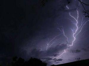 Hailstone alert: Severe thunderstorm warning