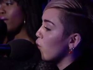 Miley Cyrus covers Summertime Sadness