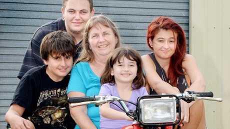 Shirley and some her grandkids Photo Tony Martin / Daily Mercury