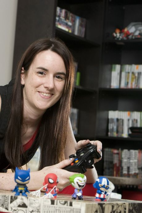 Samantha Brooking is a serious gamer. She loves video games, especially first-person shooters.