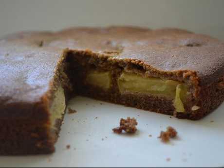 An irresistible homemade banana flour apple tea cake.