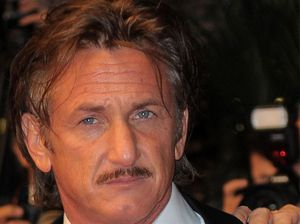 Sean Penn throws fan's mobile phone on floor