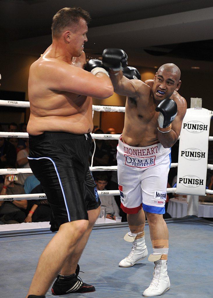 BIG FIGHT: Gatton-trained heavyweight Alex Leapai.