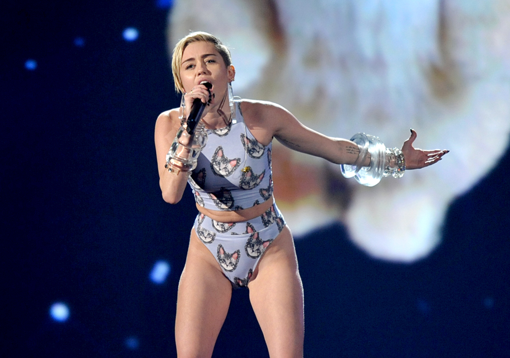 Miley Cyrus performs at the American Music Awards.