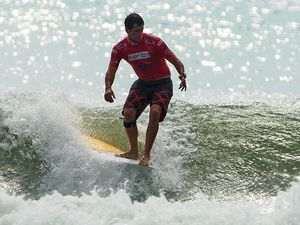 Local longboarders struggle early at world champs